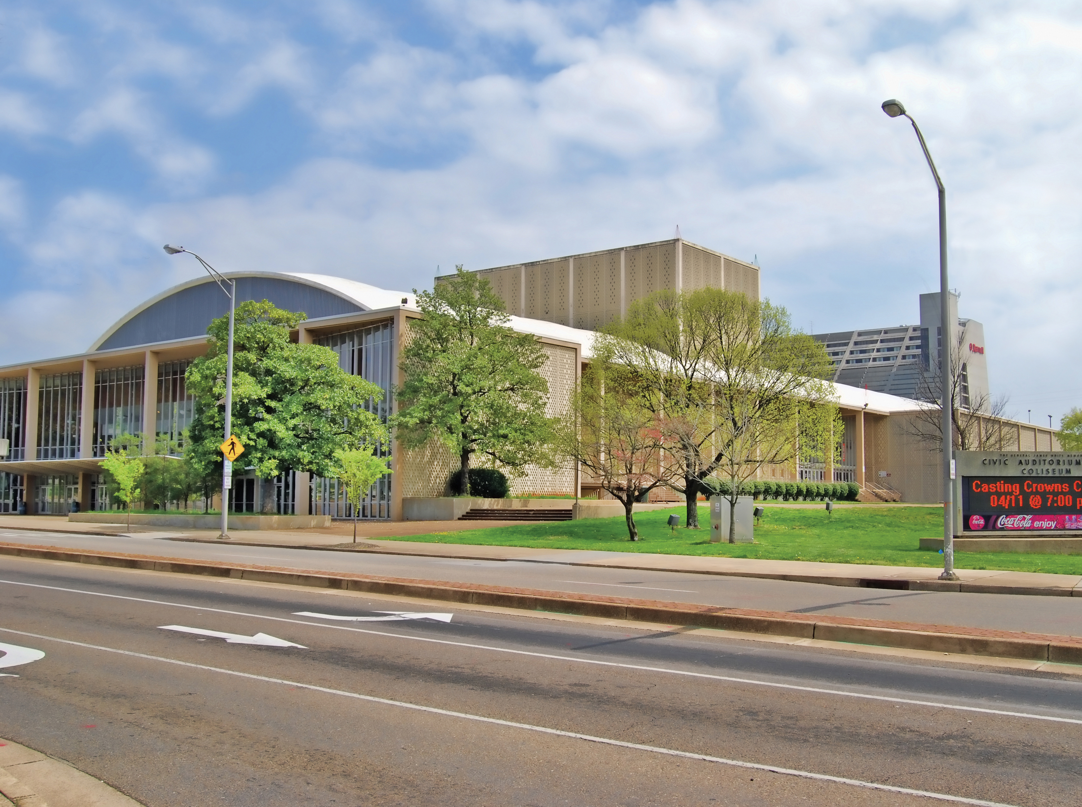 SMG signs contract to manage Knoxville Convention Center Knoxville Civic Auditorium and Coliseum Chilhowee Park & Exposition Center